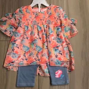New with tags flowy top and jean leggings set